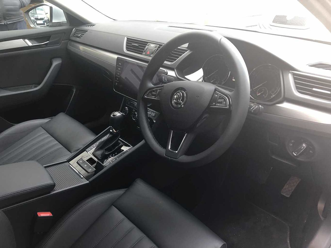ŠKODA Superb 2.0 TDI SCR 150ps SE L Executive DSG Estate