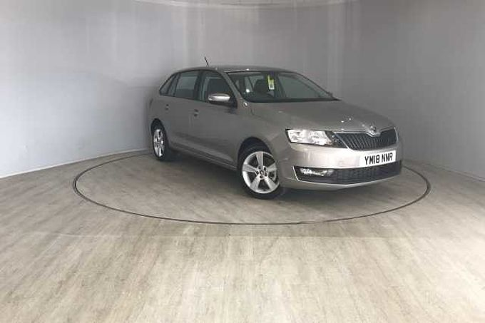 ŠKODA Rapid 1.0 TSI (110PS) SE Tech Spaceback 5-Dr