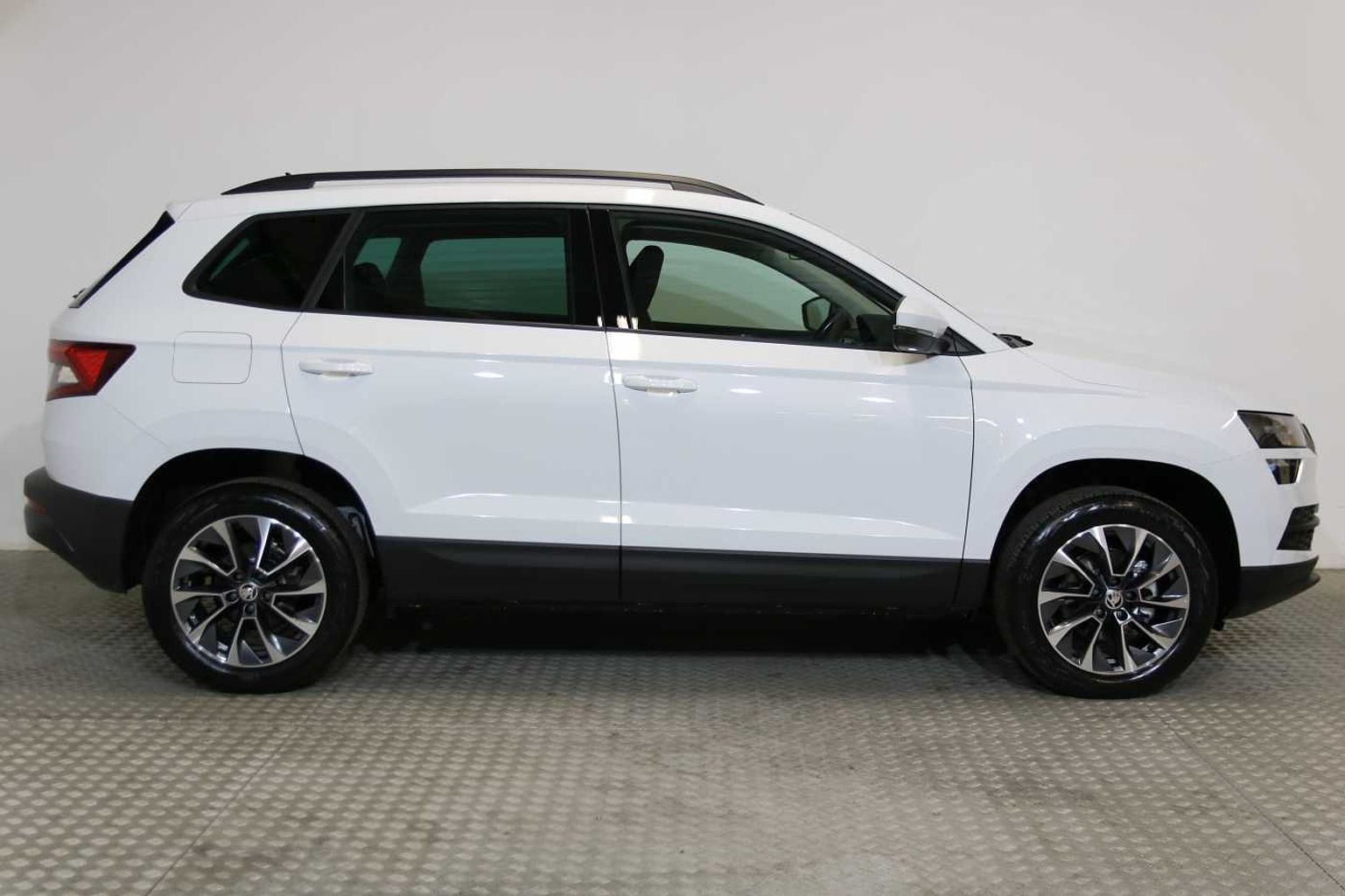 SKODA Karoq Estate SE Drive 1.0 TSI 116 PS 6G Man