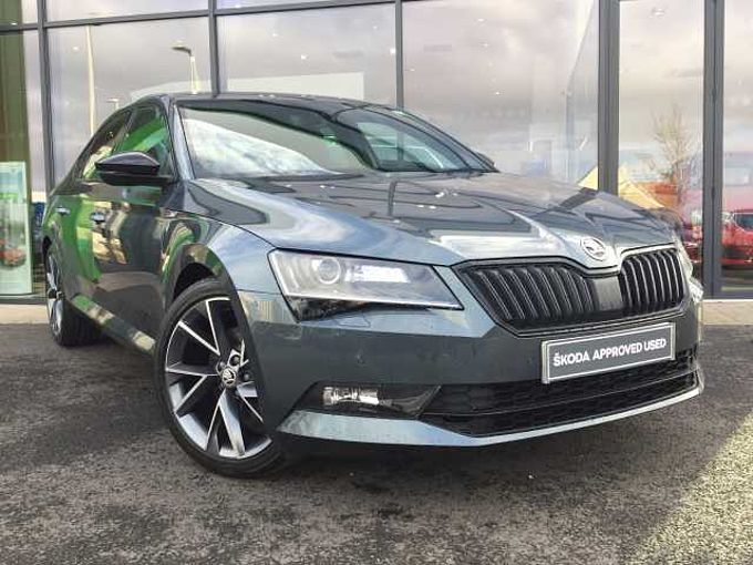 ŠKODA Superb 2.0 TDI SCR (150ps) SportLine Plus DSG HB
