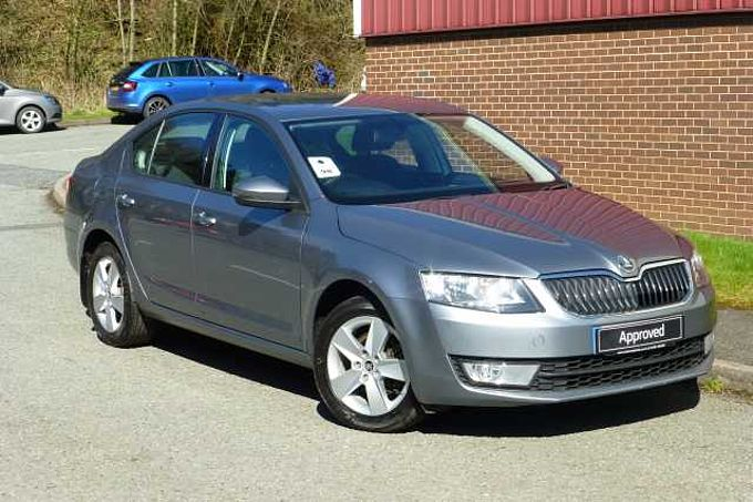 Used Cars Northampton >> Used ŠKODA Octavia Hatchback For Sale : ŠKODA UK