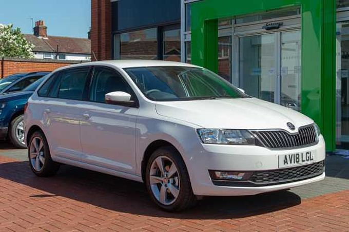 ŠKODA Rapid 1.0 TSI (95PS) SE Tech Spaceback 5-Dr