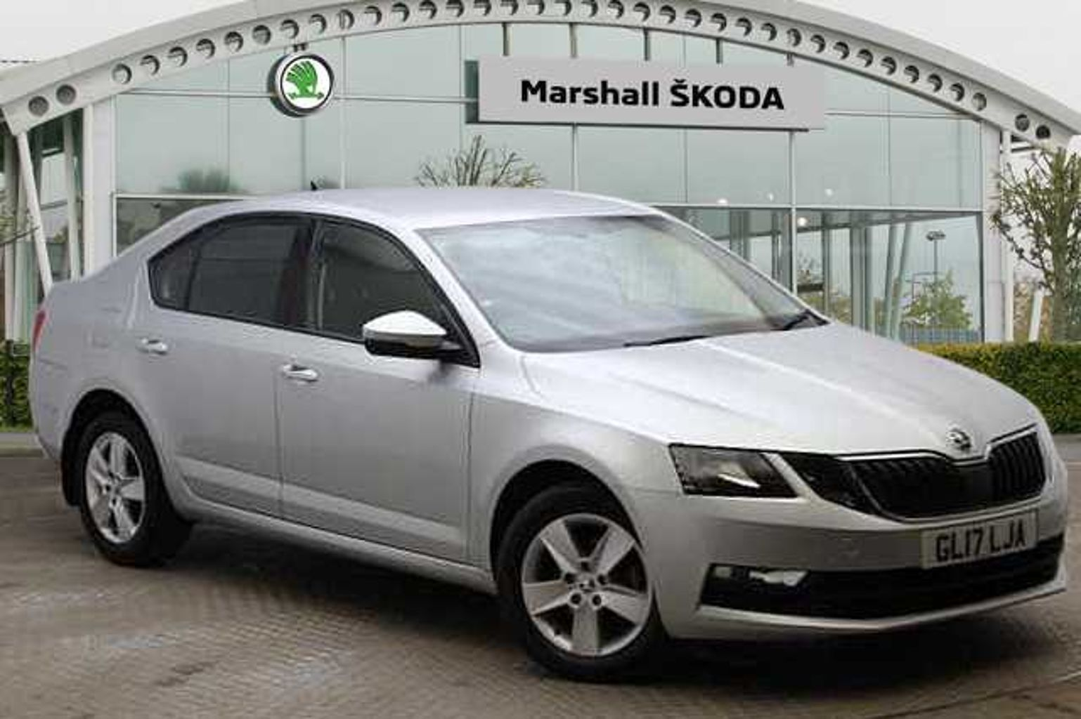 Find A Used Silver Å KODA Octavia Hatchback 2017 1 4 TSI SE 150PS